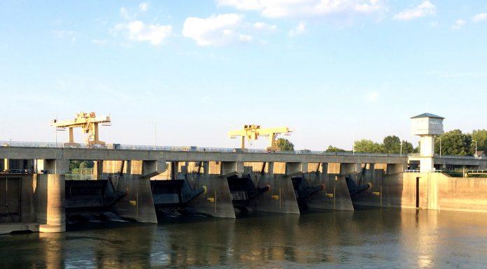 A kiskörei vízlépcső. (Kép: kirandulastervezo.hu)