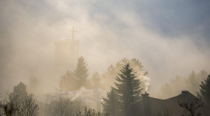 Pécs, 2019. december 8. A pécsi Szent Imre-templom ködben 2019. december 8-án. MTI/Sóki Tamás