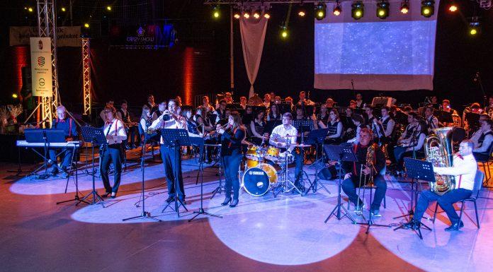 A The Teachers Dixie Band a tiszafüredi Óévbúcsúztató Hangversenyen 2019. december 28-án.