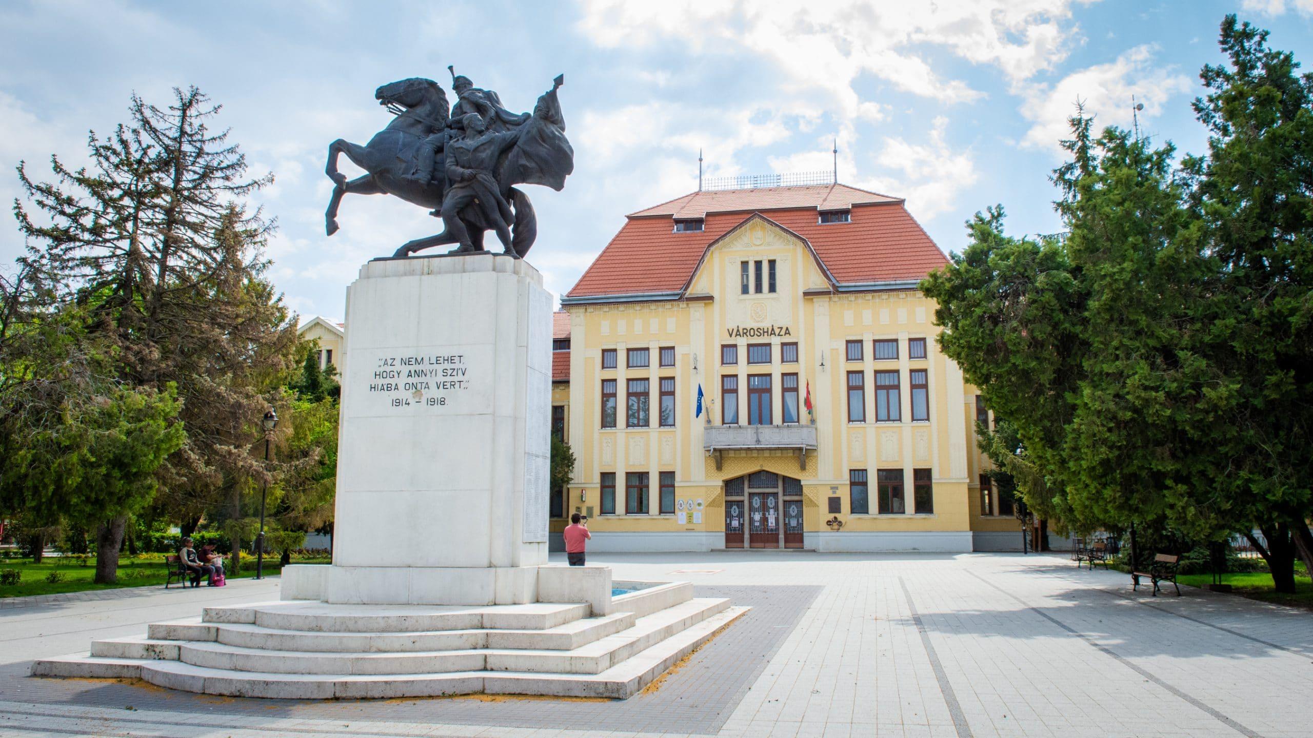 Karcag Városháza. Fotó: Bekecs Sándor | Alföldhír.hu