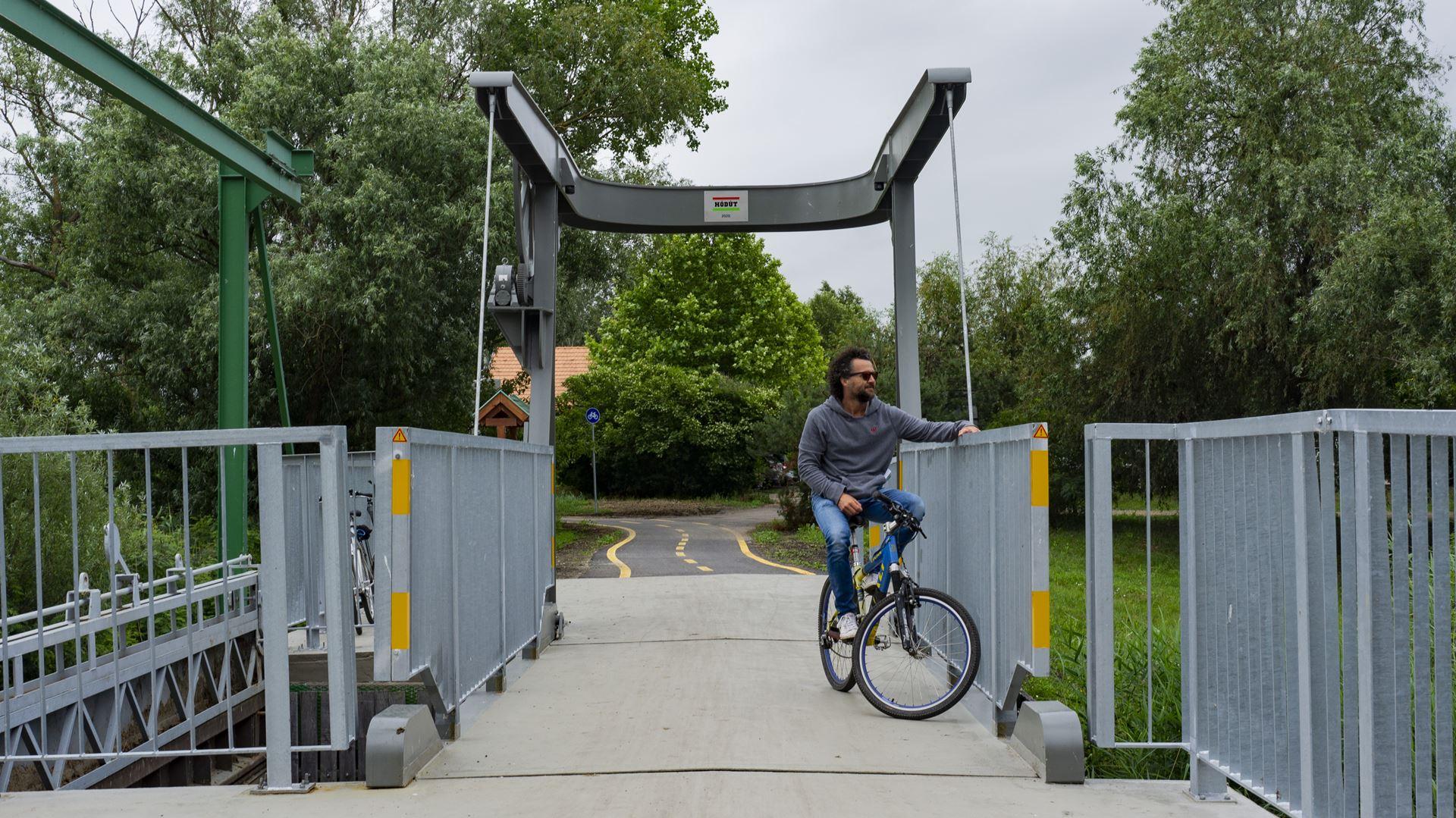 tisza-tó-kerékpáros-híd-flowcycle-1
