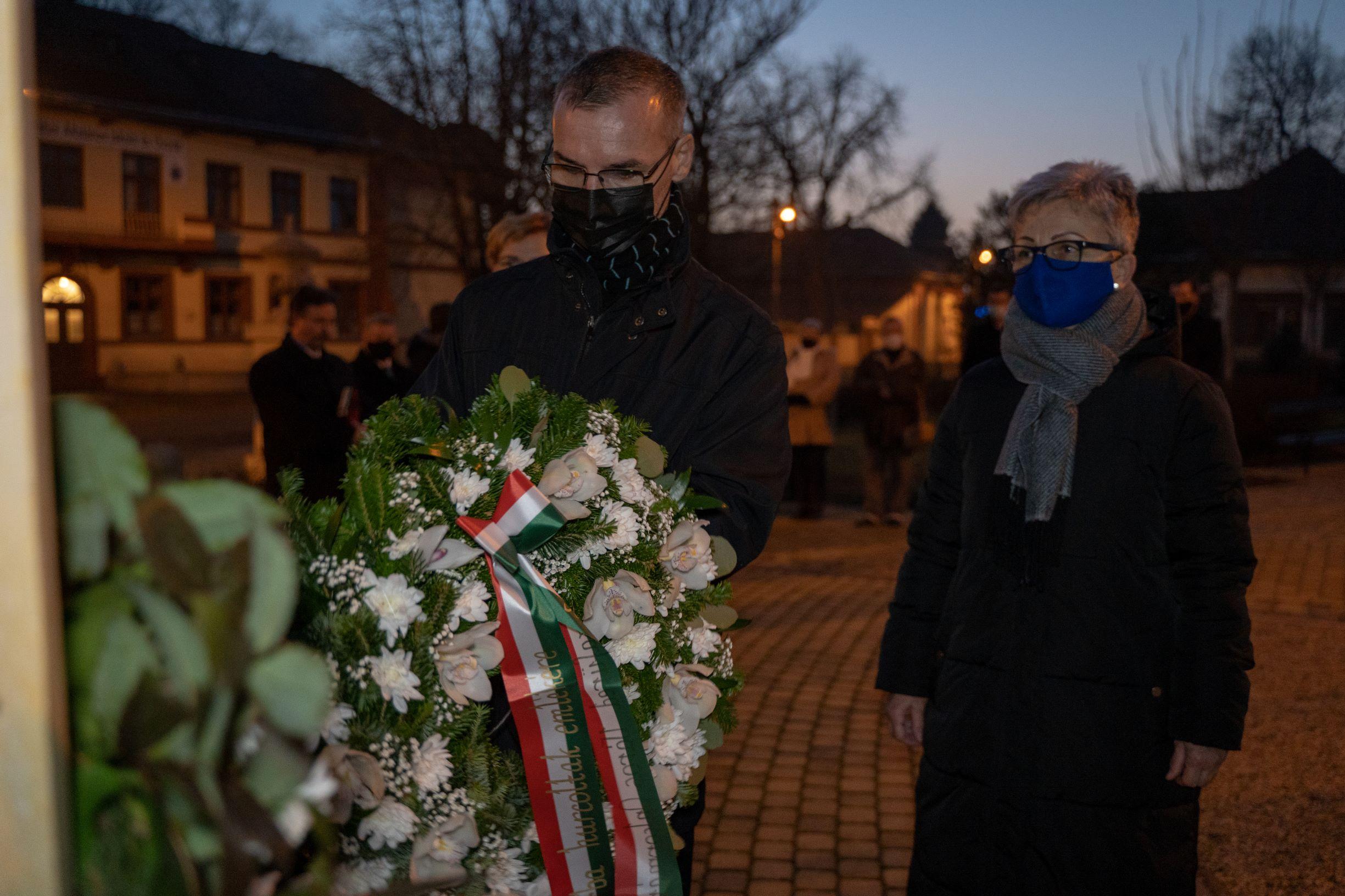 [GALÉRIA] A kommunizmus áldozataira emlékeztek Tiszafüreden